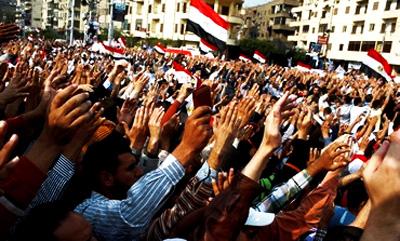 مصر میں مورسی کے خلاف پر تشدد مظاہرے، اخوان المسلمون کے دفاتر نذرِ آتش