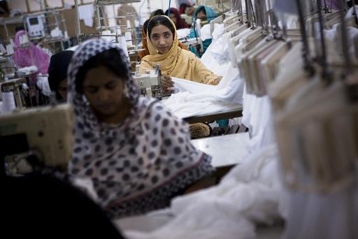 فیصل آباد: ہوزری کی صنعت میں کام کرنے والی محنت کش خاتون رضیہ کا انٹرویو