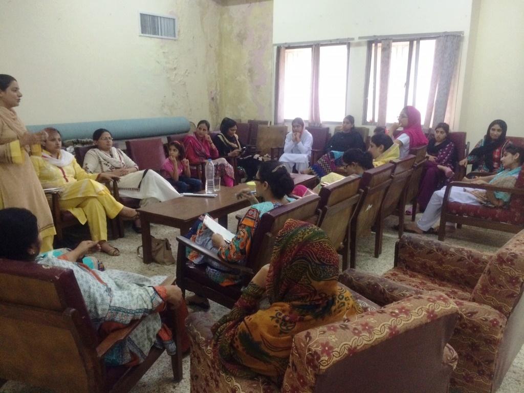 خواتین کے مسائل اور ان کا حل، ملک بھر میں اجلاس