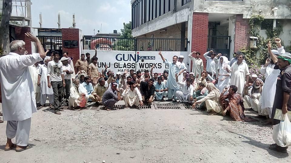 حسن ابدال: گنج گلاس فیکٹری میں ہڑتال
